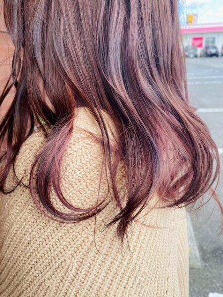 ニット×暖色カラー